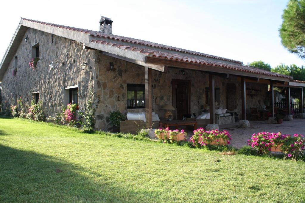 Casa de campo Cortijo Guadagredos (España Navas del Rey ...
