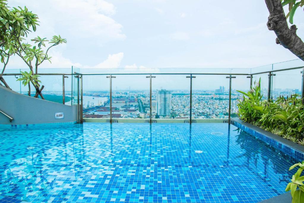 Ferienwohnung Infinity Edge Pool Icon 56 (Vietnam Ho-Chi ...