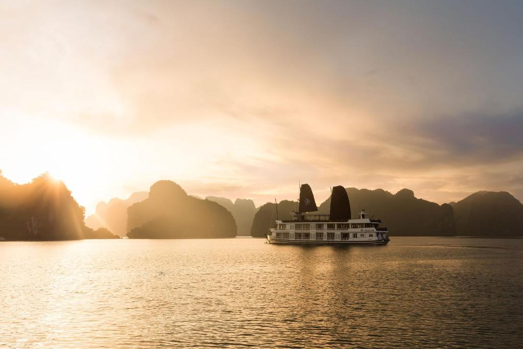 Halong Glory Legend Cruise