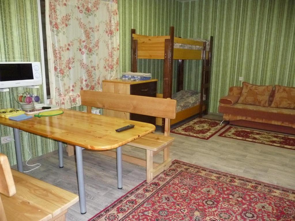 Гостиная зона в Хостел У Леса