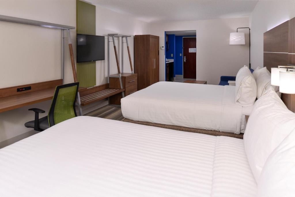 Raleigh Inn & Suites