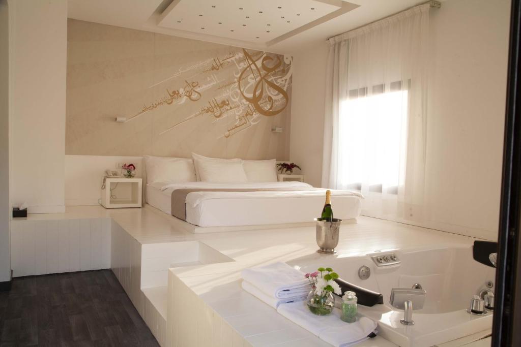 Peachy Aleph Boutique Hotel Jbeil Lebanon Booking Com Home Interior And Landscaping Spoatsignezvosmurscom