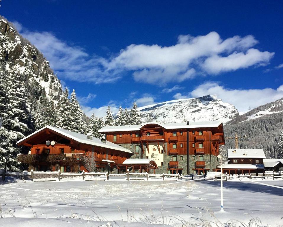 Le Rocher Hotel зимой