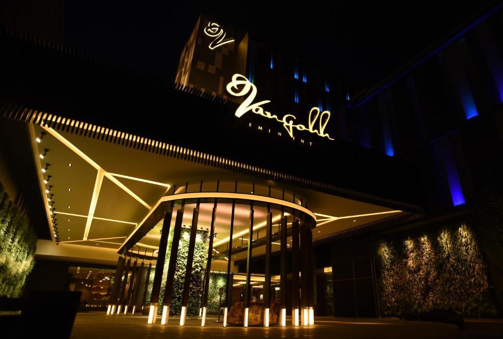Vangohh Eminent Hotel Spa Bukit