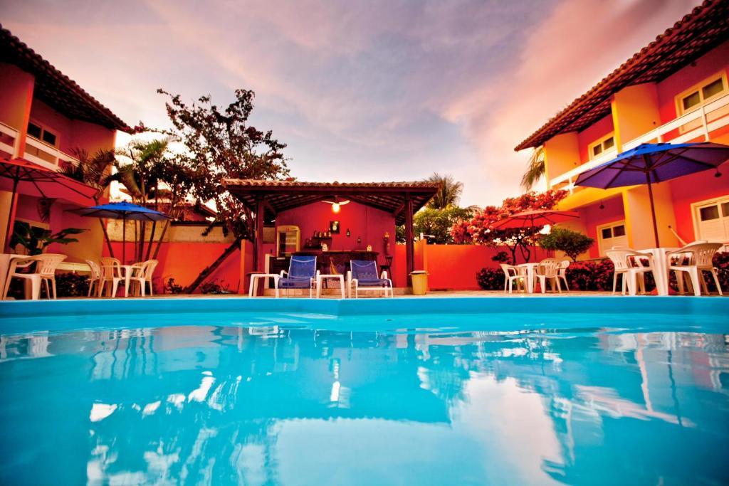 The swimming pool at or close to Capitães de Areia Pousada