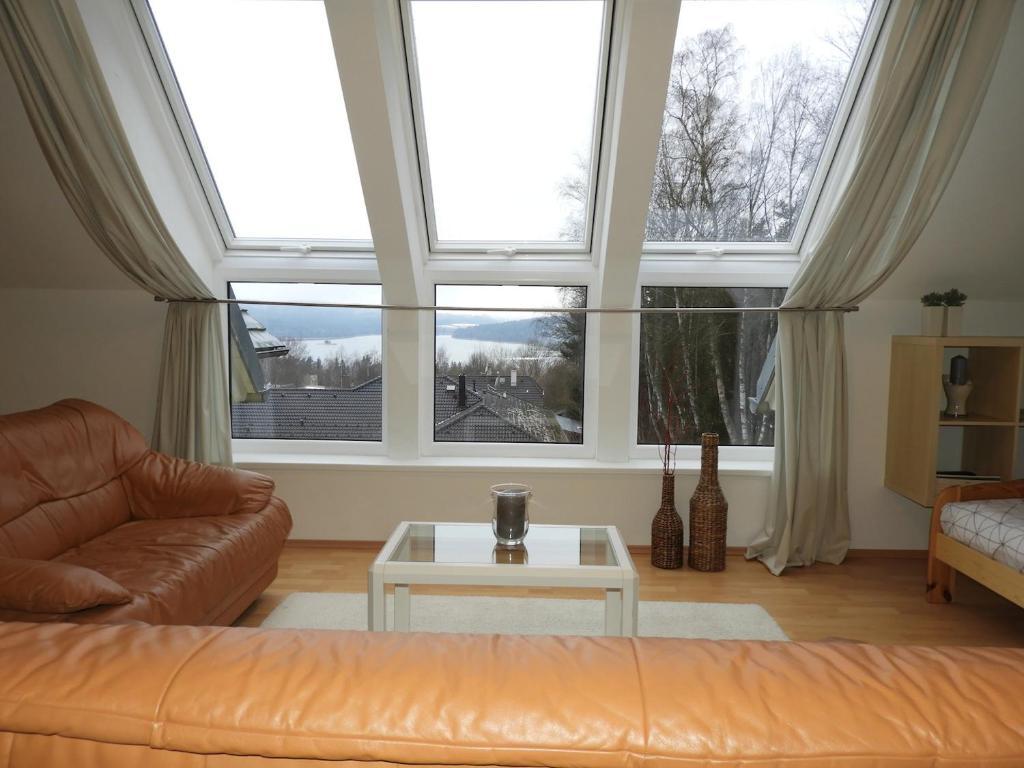 Posezení v ubytování Apartmán s Výhledem na jezero