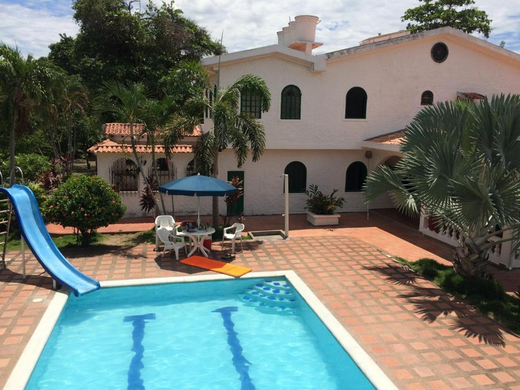 Casa de campo Casa Blanca (Colombia El Espinal) - Booking.com