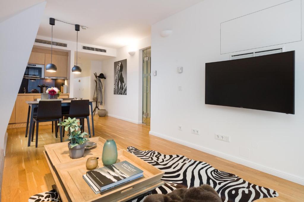טלויזיה ו/או מרכז בידור ב-Rafael Kaiser - Premium Apartments City Centre
