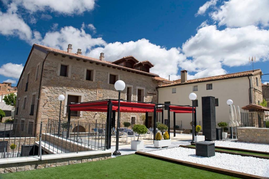 Hotel Palacio de Iván Tarín (España Monteagudo del Castillo ...