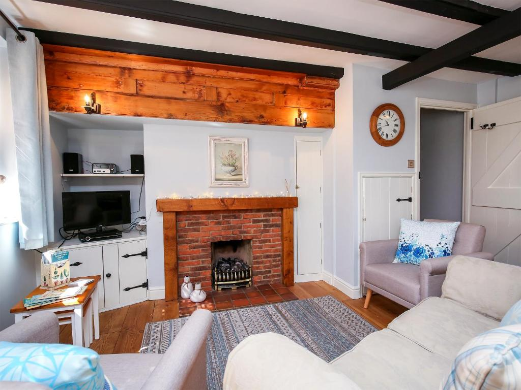 A seating area at Ammonite Cottage