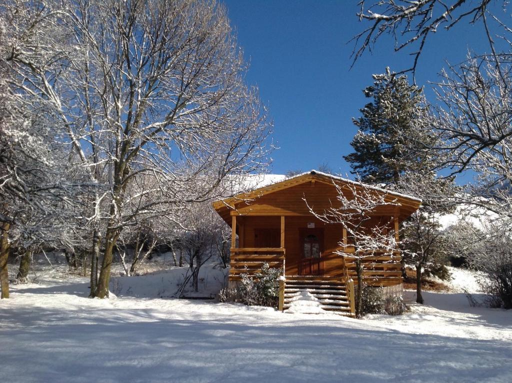 Το Camping, Hôtel De Plein Air Les Cariamas τον χειμώνα