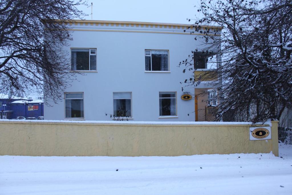 Gula Villan Guesthouse during the winter
