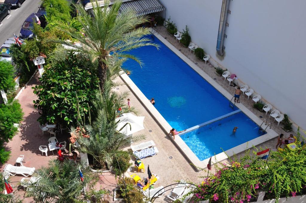 Hotel Sol y Sombra, Benidorm, Spain - Booking.com