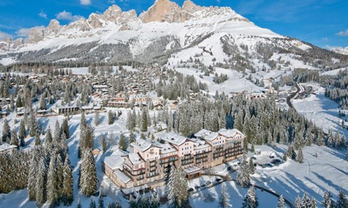 Residence Grand Hotel Carezza during the winter