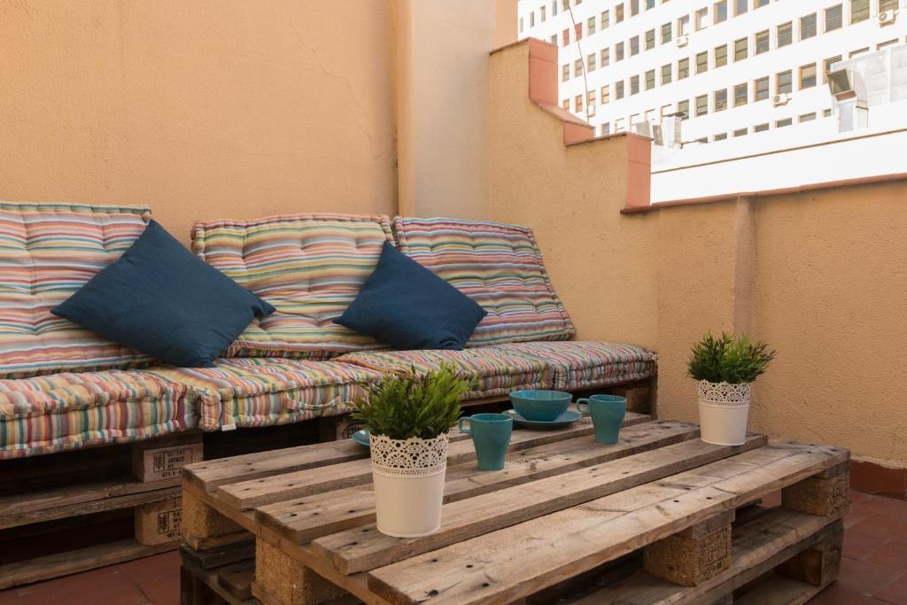 Apartment Atico En Paseo De La Fama Madrid Spain Booking Com