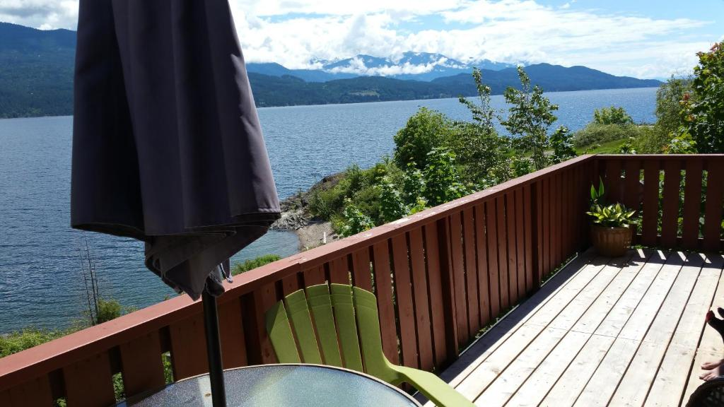 A balcony or terrace at Ainsworth Springs Suites