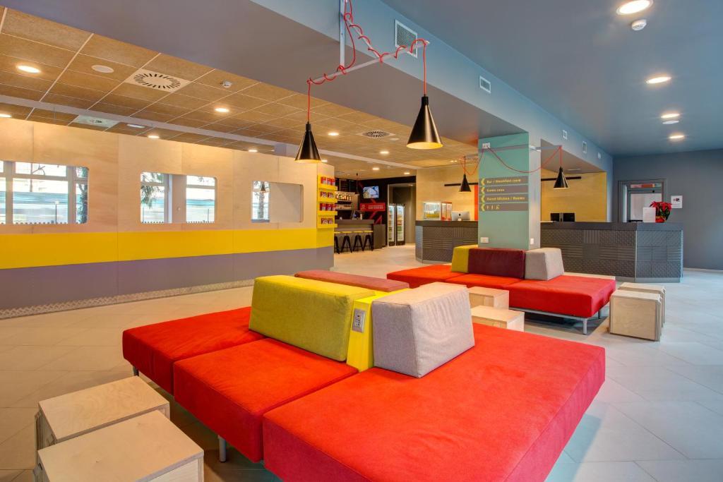 MEININGER Milano Garibaldi tesisinde lounge veya bar alanı