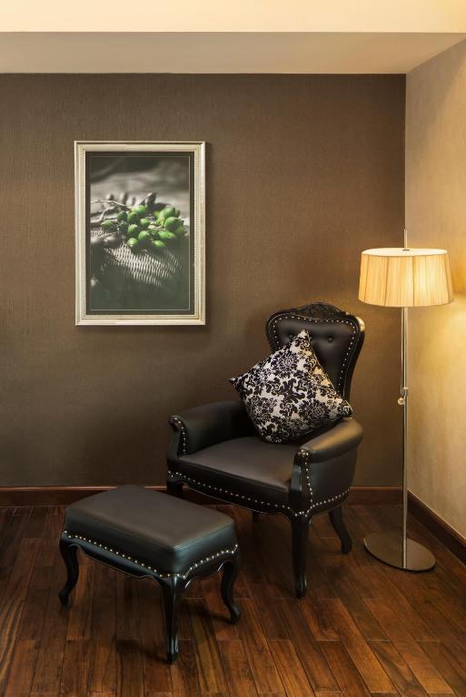 Phòng Deluxe Có Giường Cỡ King (Giảm Giá 15% Đối Với Đồ Ăn & Thức Uống, Trừ Bữa Sáng)