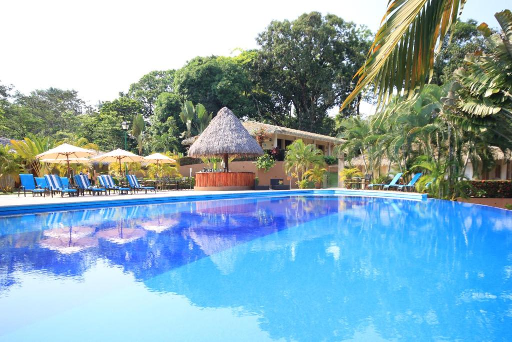 The swimming pool at or near Hotel Villa Mercedes Palenque