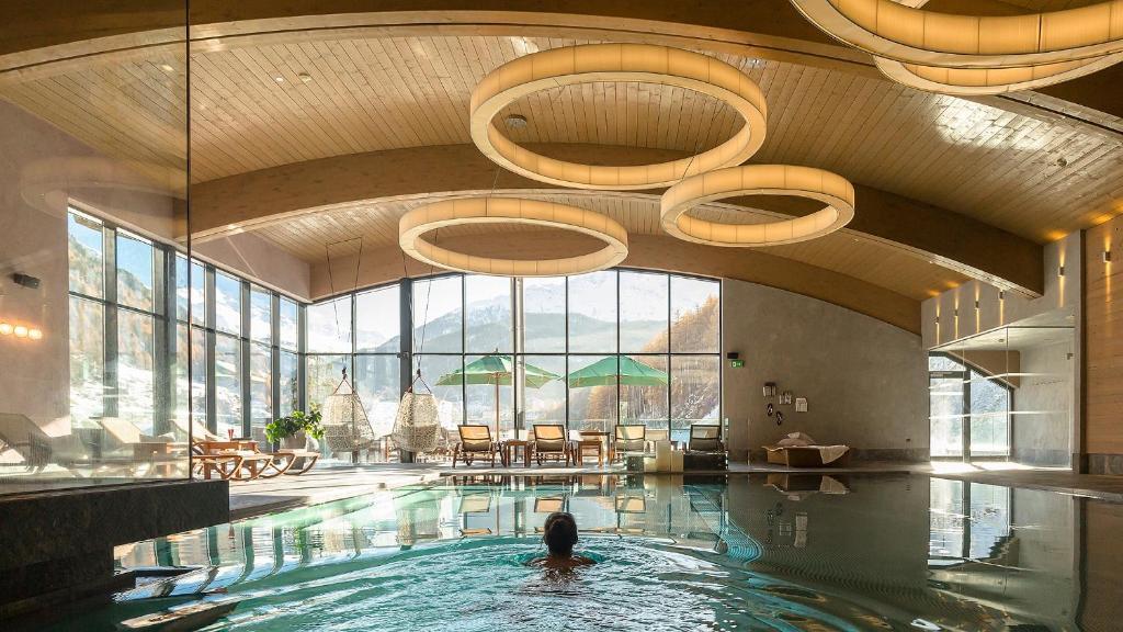 The swimming pool at or close to Bergland Design- und Wellnesshotel