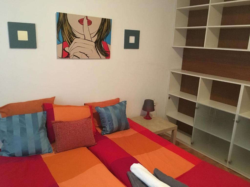 A seating area at Bulhotel City Apartment 1