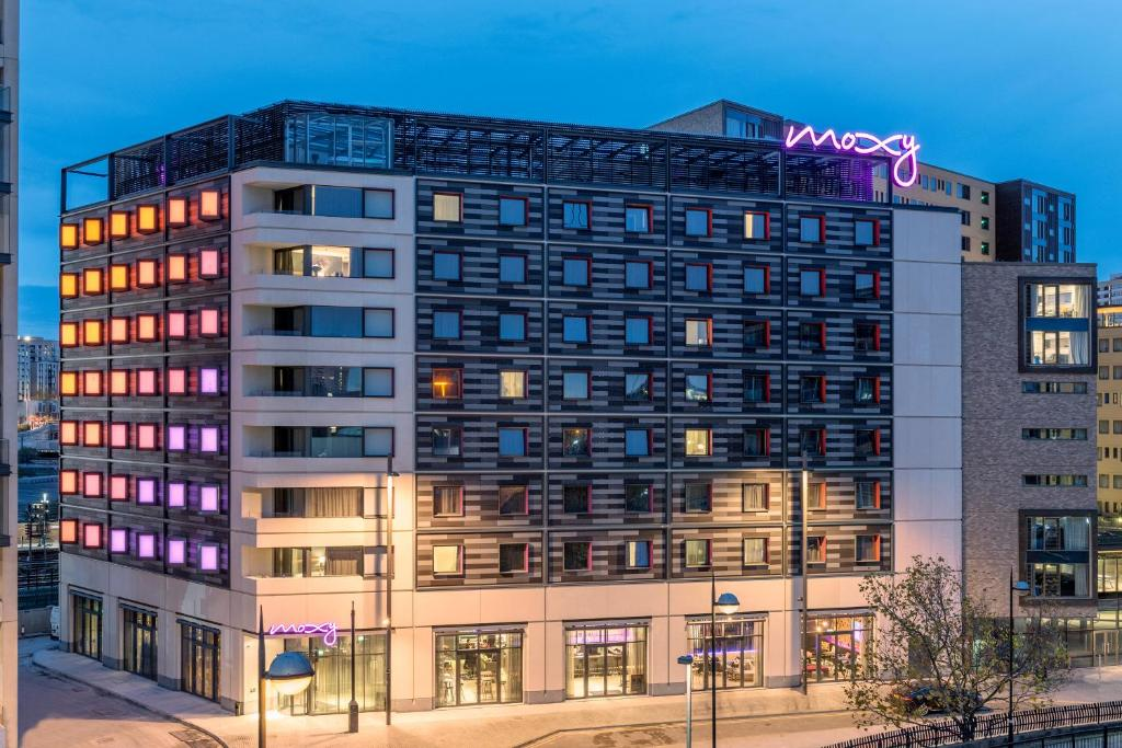 Hotel Moxy London Stratford (Reino Unido Londres) - Booking.com