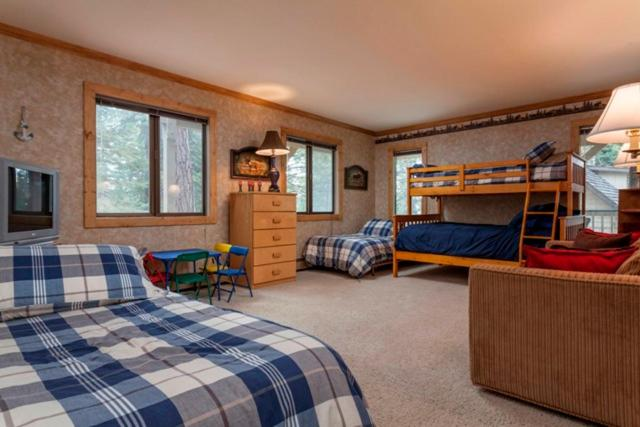 Forest Retreat Rental Cabin