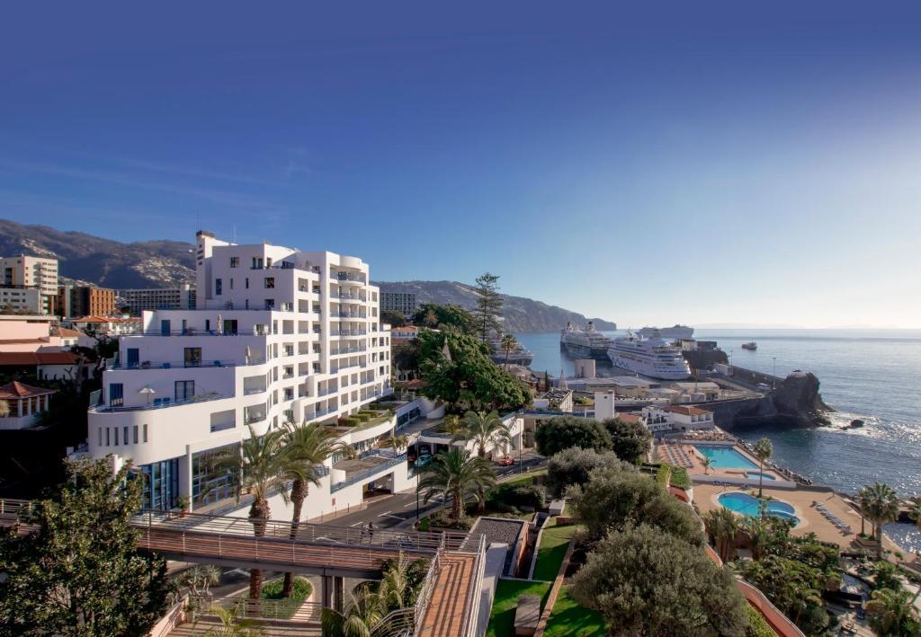 Vedere de sus a Madeira Regency Club