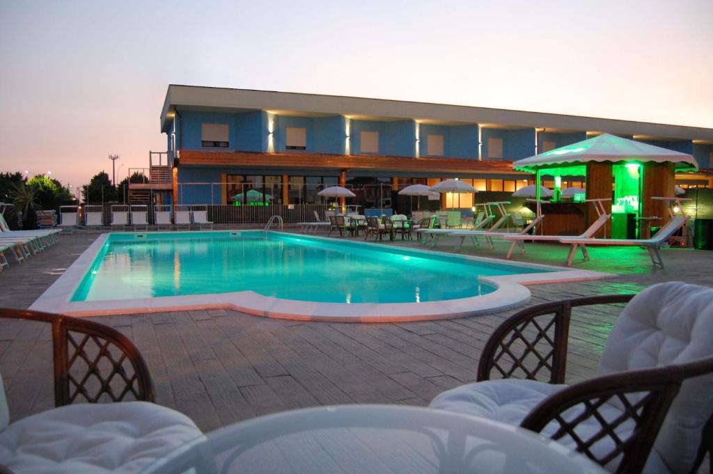 Piscina di Piccolo Hotel Nogara o nelle vicinanze