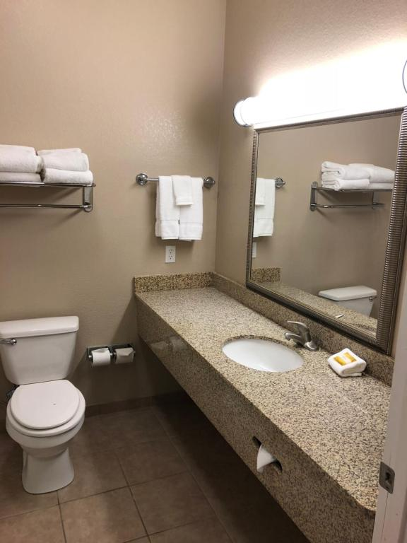 La Quinta Inn & Suites Gun Barrel City