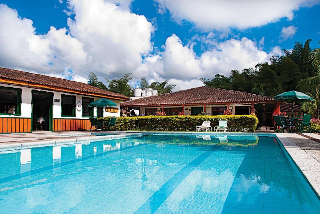 Hotel La Floresta (Colombia Armenia) - Booking.com
