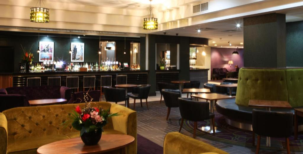 A restaurant or other place to eat at Jurys Inn Birmingham