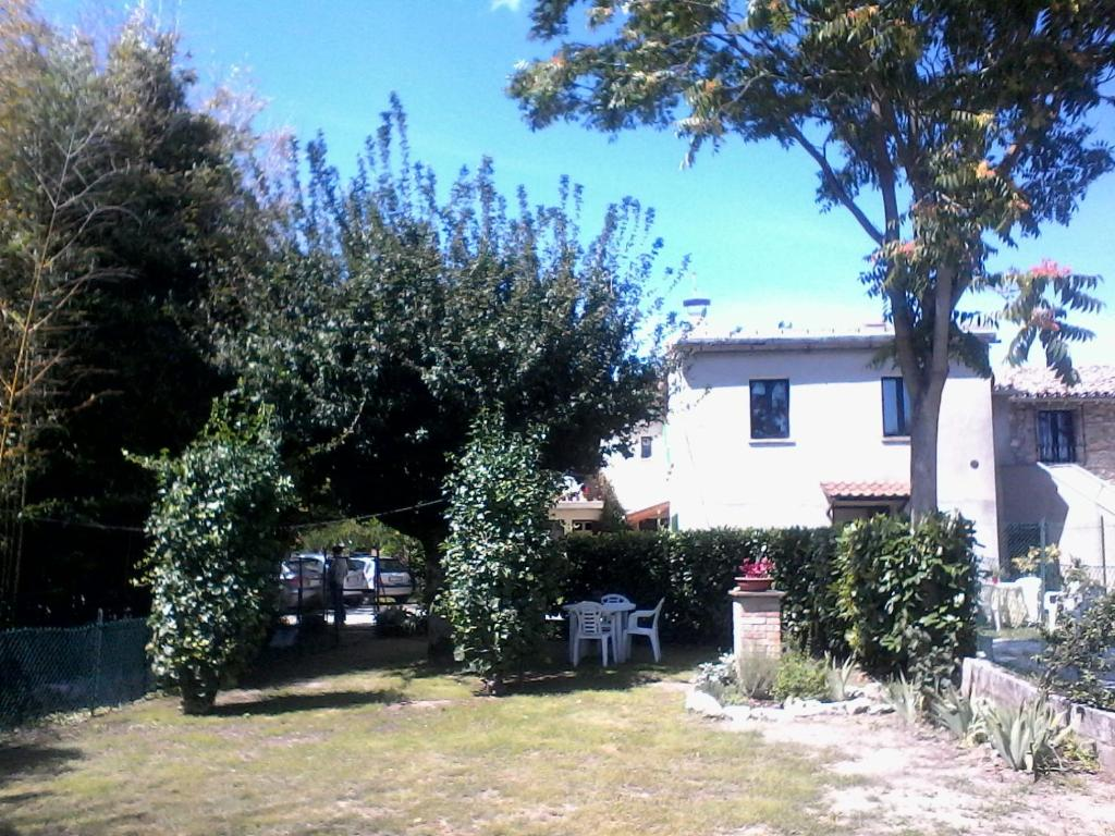 Come Abbinare Sedie Diverse country house casa vincia, gubbio, italy - booking
