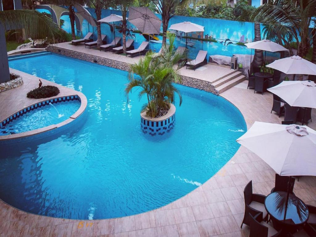 A view of the pool at Mendiata Hotel or nearby