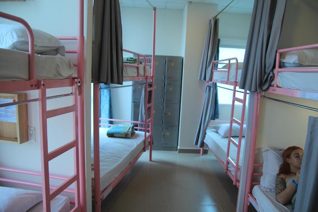 Phòng Ngủ Tập Thể Cho Nữ 8 Giường