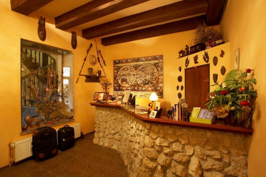 El vestíbulo o zona de recepción de Globtroter Guest House