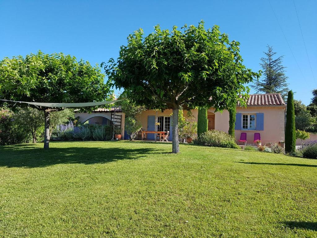 Villa Saint-Pierre-De-Vassols