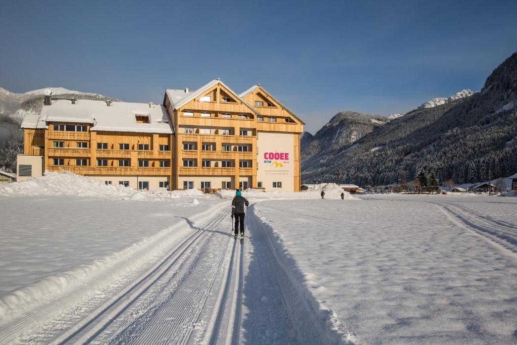 COOEE alpin Hotel Dachstein during the winter