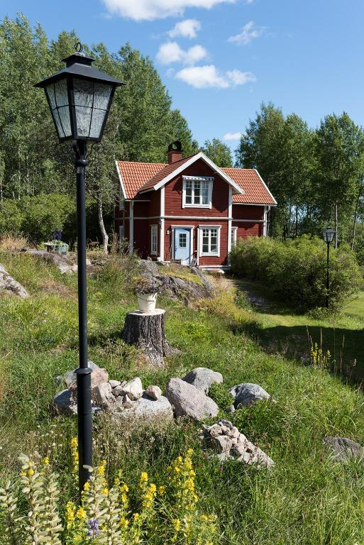 Apartments, Rooms, Houses, Cabins for rent in solna