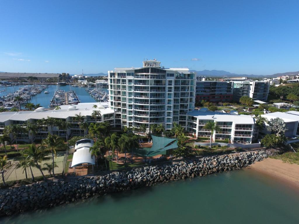 A bird's-eye view of Mariners North Holiday Apartments
