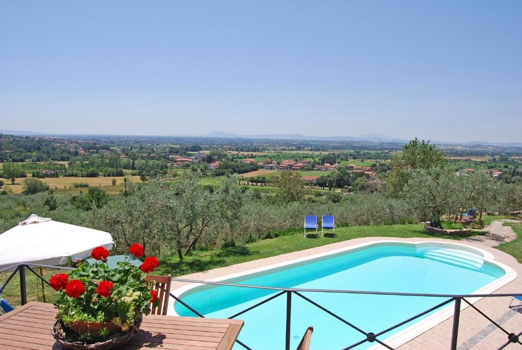 Vista de la piscina de Margherita Holiday Home o alrededores