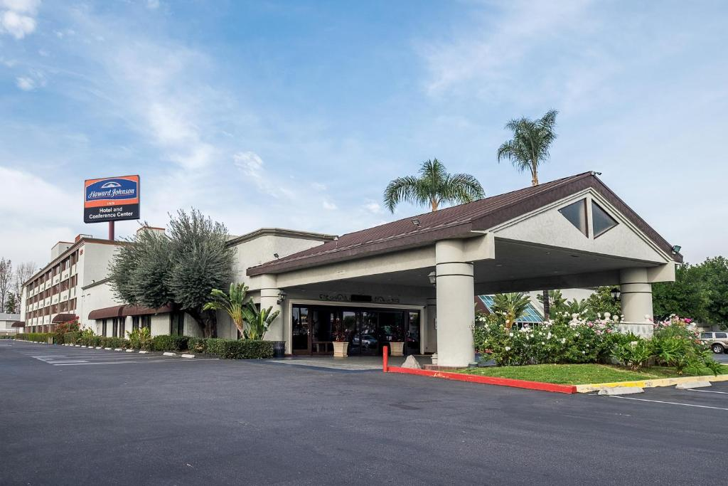 Howard Johnson By Wyndham Fullertonanaheim Conference Cntr