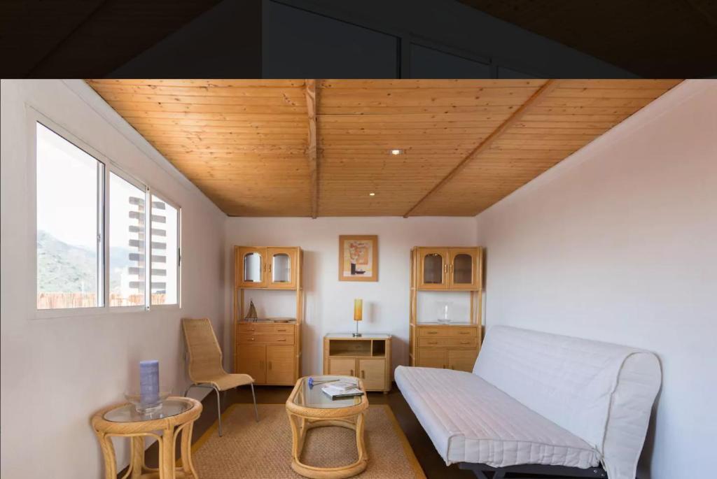 A seating area at Apartamento Santa Cruz de Tenerife