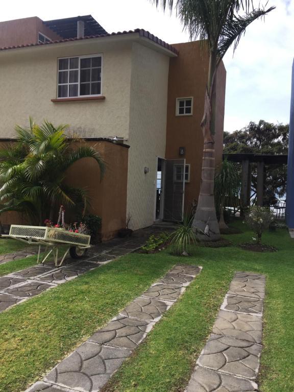 Casa o chalet Senderos del Lago (México Jocotepec) - Booking.com
