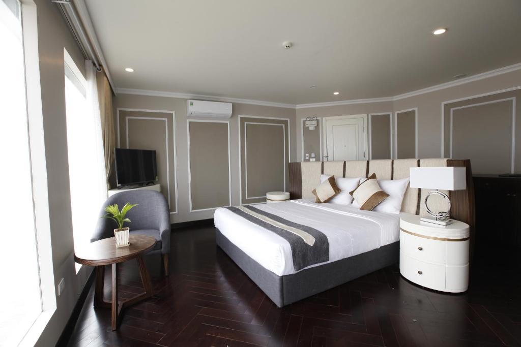 Suite Có Sân Hiên Và Giường Cỡ King - 2 Ngày 1 Đêm