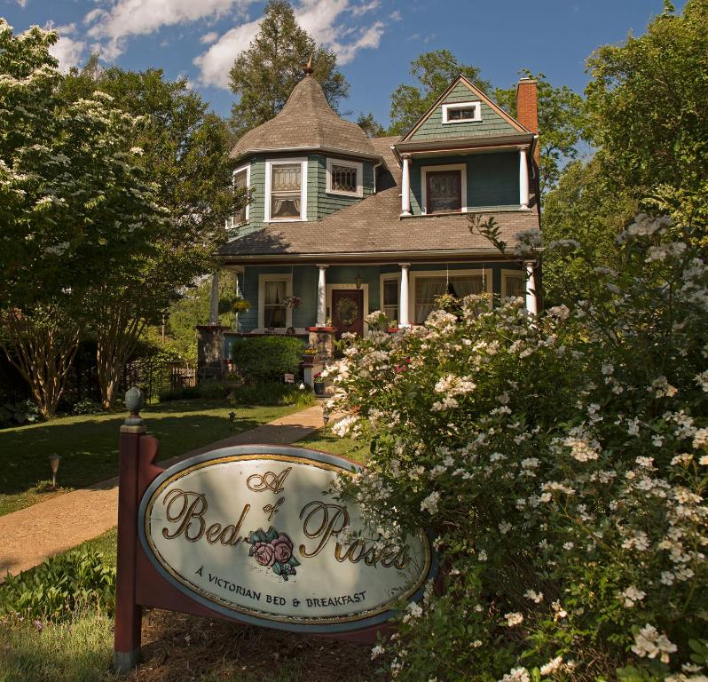A Bed Of Roses Bed Breakfast Asheville Nc Booking Com