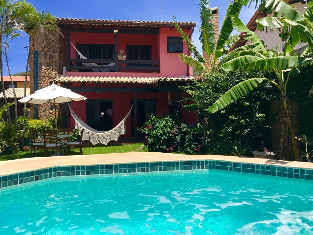 A piscina localizada em Casa Mar Arraial ou nos arredores