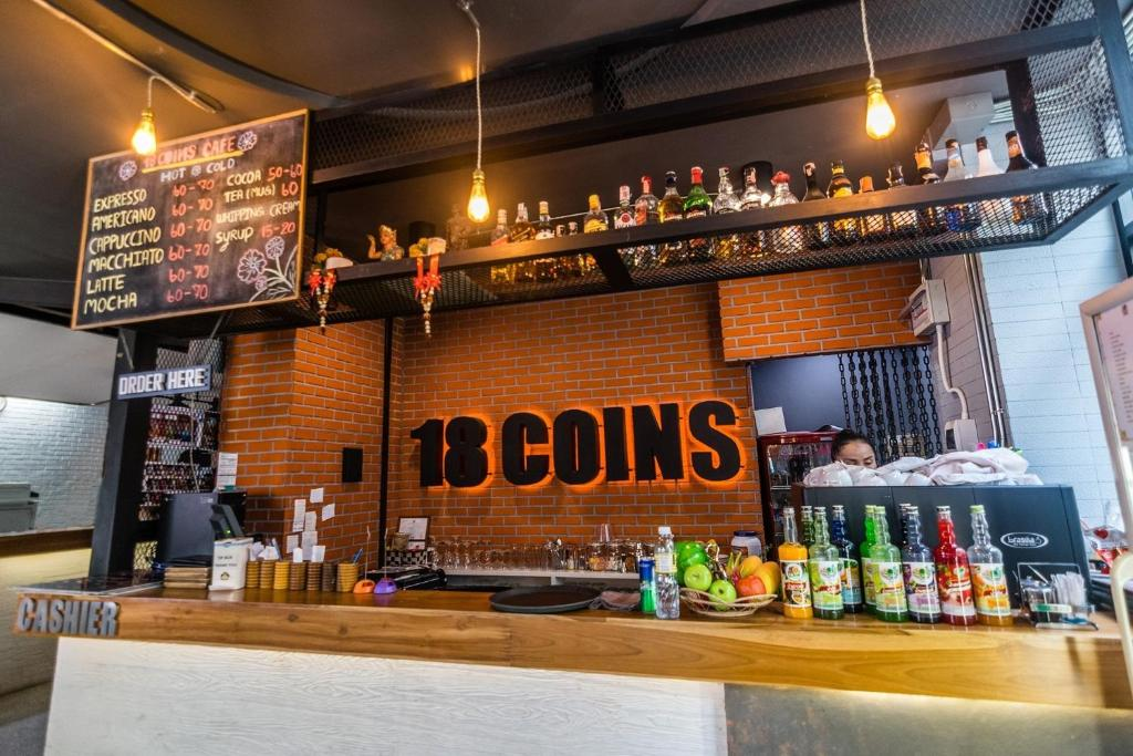 18 Coins Hostel and Restaurant