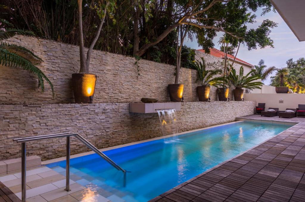 The swimming pool at or near No 5 by Mantis