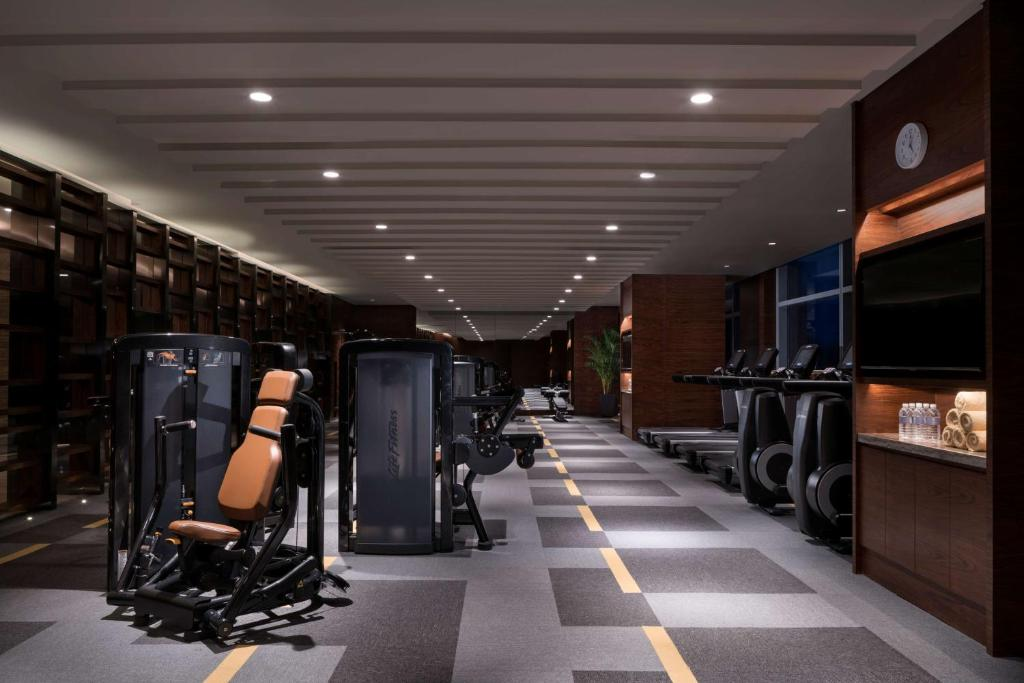 Das Fitnesscenter und/oder die Fitnesseinrichtungen in der Unterkunft Hyatt Regency Shanghai Wujiaochang